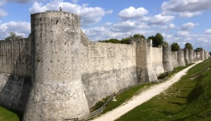 Medieval_fortifications_of_Provins_P1120605