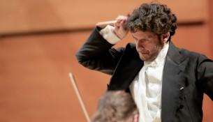 il M° Francesco Maria Colombo dirige laVerdi in Around the World (22)