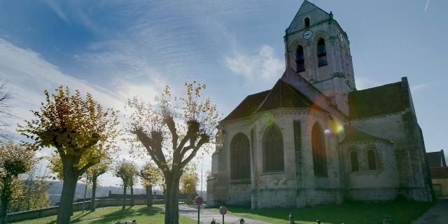 Chiesa-di-Auvers-sur-Oise-dal-film-_Van-Gogh-tra-il-grano-e-il-cielo_